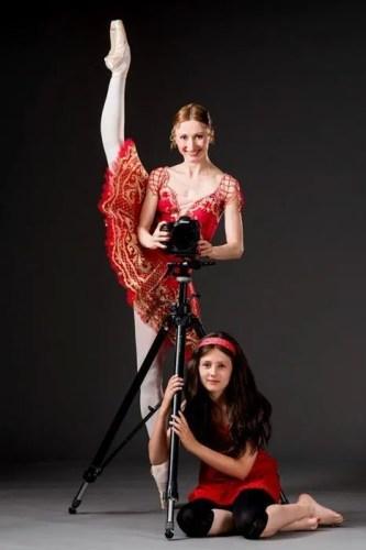 Daria Klimentova with her daughter Sabina - photo by Arnaud Stephenson