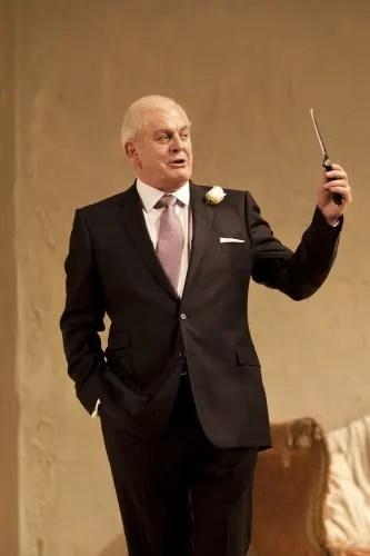 Don Alfonso in Così fan tutte - photo by Johan Persson
