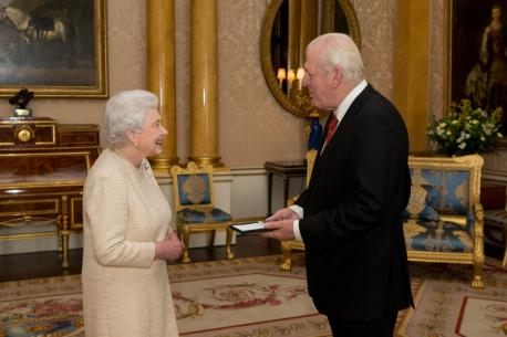 The Queen's Medal for Music awarded to Sir Thomas Allen
