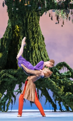 Sarah Lamb as Perdita and Steven McRae as Florizel in Act II of The Winter's Tale - photo ROH / Johan Persson, 2014