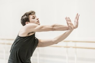 Nicol Edmonds in rehearsal for Tetractys - The Art of Fugue, The Royal Ballet ©ROH/Johan Persson, 2014