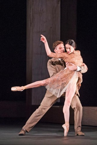 Alessandra Ferri and Gary Avis in Woolf Works, The Royal Ballet © 2015 ROH. Photo by Tristram Kenton