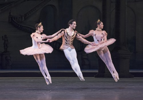 Yasmine Naghdi, Tristan Dyer and Beatriz Stix-Brunell as Florestan and His Sisters in The Sleeping Beauty, 2014 © ROH-Tristram Kenton