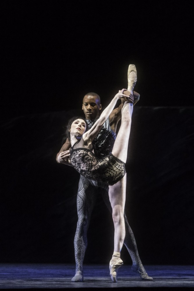 Raven Girl with Sarah Lamb and Eric Underwood. ©ROH, Johan Persson