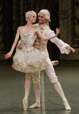 Svetlana Zakharova with Jacopo Tissi in The Sleeping Beauty - photo by Brescia and Amisano, Teatro alla Scala 2015