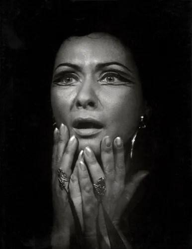 Virginia Zeani as Aida