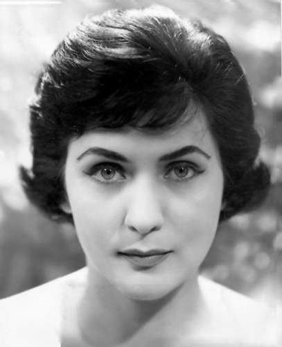 Virginia Zeani in an early publicity portrait