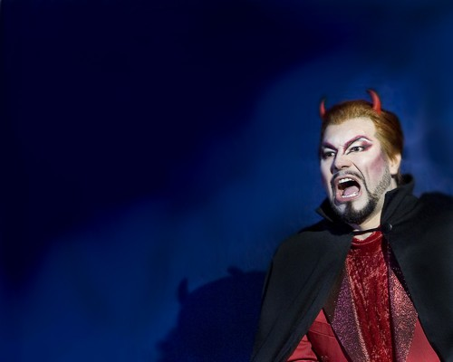 Carlo Colombara as Mefistofele, Savonlinna 2009 - photo by Timo Seppäläinen