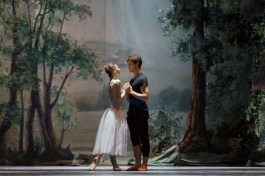 Rebecca Bianchi rehearsing Giselle with Claudio Coviello - photo Teatro dell'Opera di Roma
