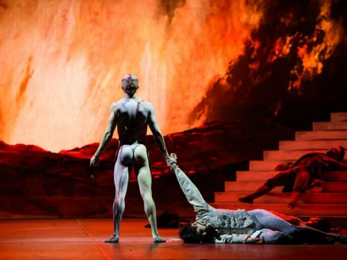 Liam Scarlett's Frankenstein - photo ROH- Bill Cooper