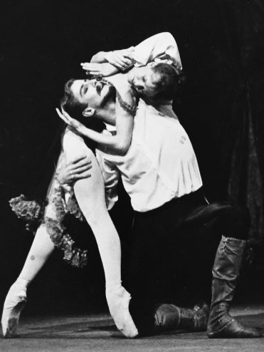 Derek Deane in MacMillan's Mayerling with Lesley Collier as Mary Vetsera