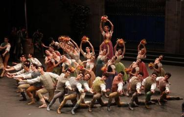 The corps de ballet - photo Brescia and Amisano Teatro alla Scala