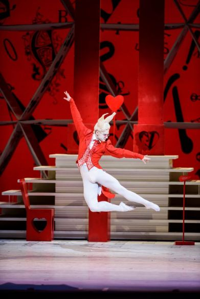 Alice's Adventures in Wonderland with Alexander Campbell as the White Rabbit - ©ROH, Bill Cooper, 2014