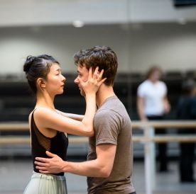 The Two Pigeons in rehearsal with Alexander Campbell and Yuhui Choe - ©ROH, Bill Cooper, 2015