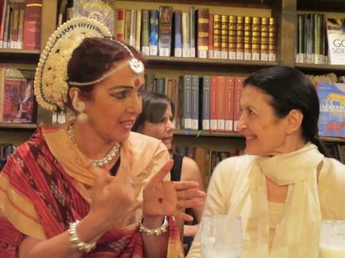 Ileana Citaristi with Carla Fracci