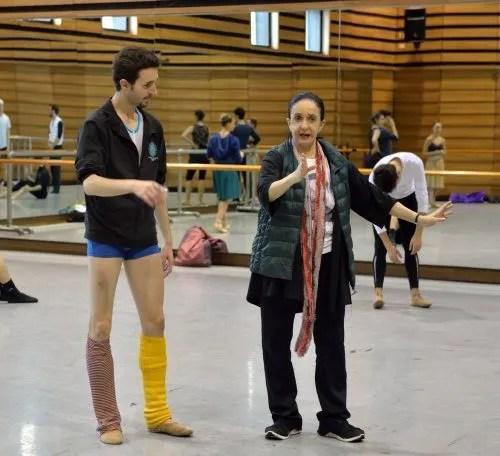 Marcia Hydée rehearsing Damian Torío - photo Amalia Pedreiras, BNS   Ballet Nacional Sodre