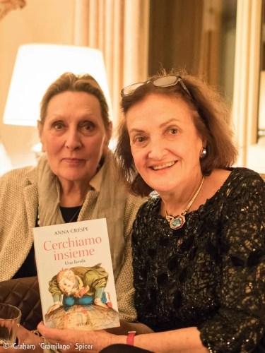 Anna Crespi with her book Cherchiamo insieme