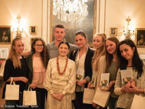"Carla Fracci with Elena de Laurentiis and students from the Liceo Coreutico ""A Locatelli"" in Bergamo"