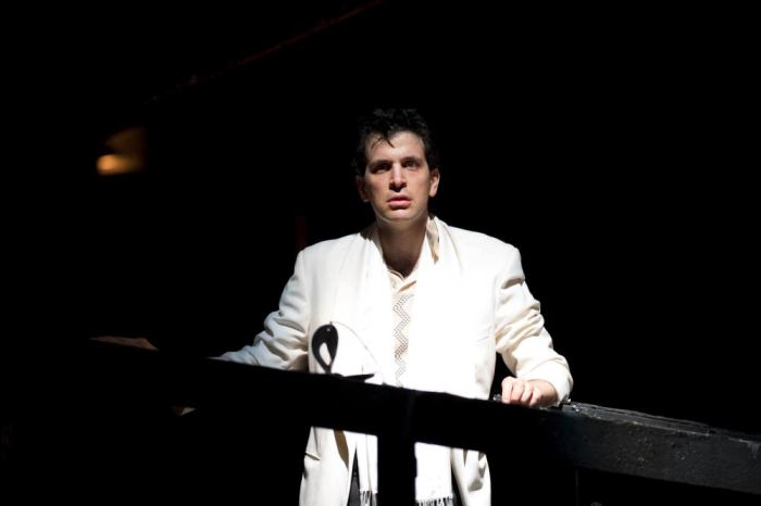 Luca Pisaroni as Leporello in Don Giovanni at Glyndebourne   photo by Bill Cooper