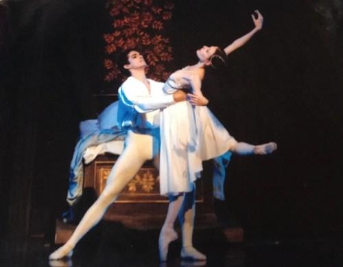 Flavio Salamanka and Anaïs Chalendard in MacMillan's Romeo and Juliet, Badishe Staatstheater Karlsruhe, photo by Jochen Klenk