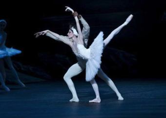 Junor de Olivera Souza and Anais Chalendard in Derek Dean's Swan Lake, English National Ballet