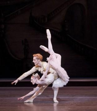 The Sleeping Beauty. Sarah Lamb as Aurora, Steven McRae as Prince Florimund. cROH Johan Persson, 2011 (2)
