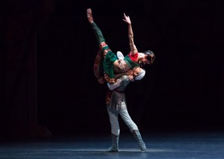 István Simon and Melissa Hamilton in La Bayadére by Aaron Watkin after Petipa, photo by Ian Whalen