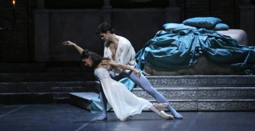 Misty Copeland with Roberto Bolle in Romeo and Juliet, photo by Brescia and Amisano, Teatro alla Scala, 2016 3