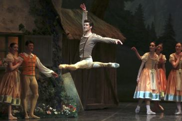 Roberto Bolle, photo by Brescia e Armisano, Teatro alla Scala