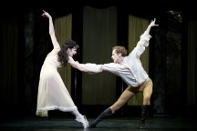 Mayerling. Natalia Osipova at Mary Vetsera and Edward Watson as Crown Prince Rudolf. c ROH, 2017. Photographed by Alice Pennefather.
