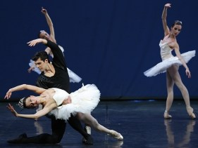 Symphony in C (11) with Nicoletta Manni and Roberto Bolle