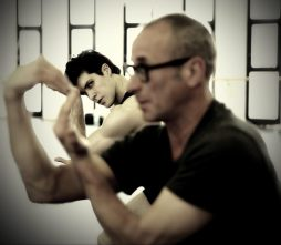 Progetto Handel Roberto Bolle in rehearsal with Mauro Bigonzetti photo by Brescia and Amisano, Teatro alla Scala
