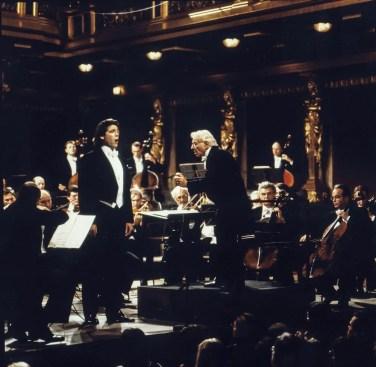 Thomas Hampson performing with Leonard Bernstein