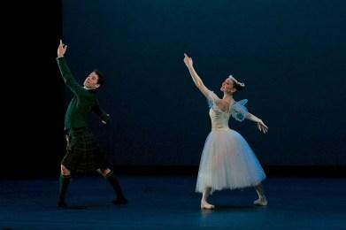 Madison Keesler and Guilherme Menezes performing La Sylphide © Dasa Wharton