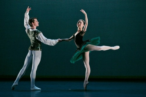 Rina Kanehara and Aitor Arrieta performing the Esmeralda pas de deux © Dasa Wharton 2