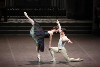 Martina Arduino and Nicola Del Freo in Swan Lake, photo by Brescia e Amisano © Teatro alla Scala 2