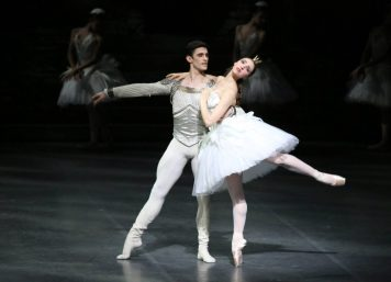 Martina Arduino and Nicola Del Freo in Swan Lake, photo by Brescia e Amisano © Teatro alla Scala