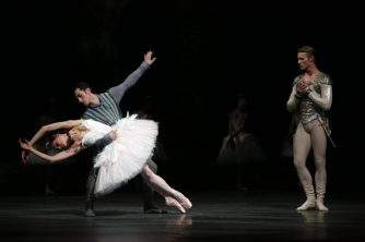 Nicoletta Manni, Timofej Andrijashenko and Christian Fagetti in Swan Lake, photo by Brescia e Amisano © Teatro alla Scala