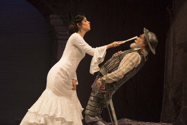 Gregory Reinhart with Luisa Francesconi in Don Quixote, photo by Heloisa Bortz ©2016