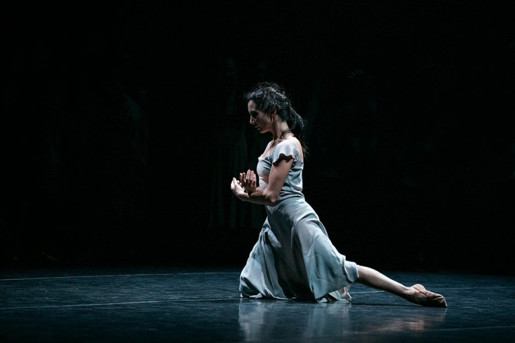 Akram Khan's Giselle, English National Ballet, © Dasa Wharton a14