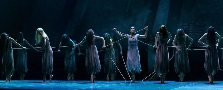Akram Khan's Giselle, English National Ballet, © Dasa Wharton a22