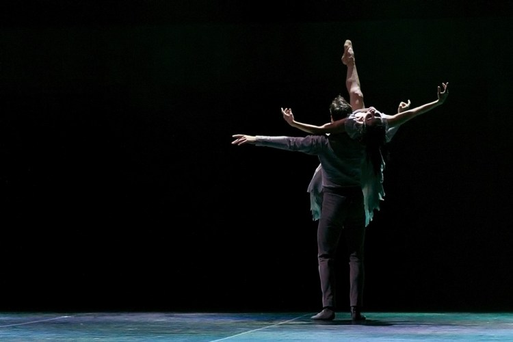 Akram Khan's Giselle, English National Ballet, © Dasa Wharton a24
