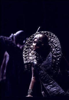 Idomeneo, 1990, costume by Nicoletti, photo by Lelli e Masotti