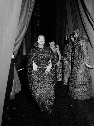 Oedipus Rex, 1969, Marilyn Horne, costume by Pierluigi Pizzi, photo by Piccagliani