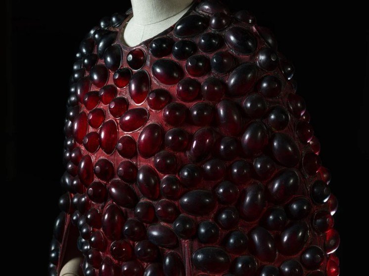 Oedipus Rex, detail, 1969, costume by Pizzi, photo by Francesco M. Colombo