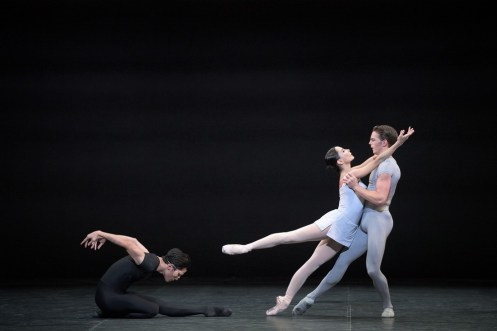 Tamara Rojo, Jeffrey Cirio and Joseph Caley in Song of the Earth © Laurent Liotardo (2)