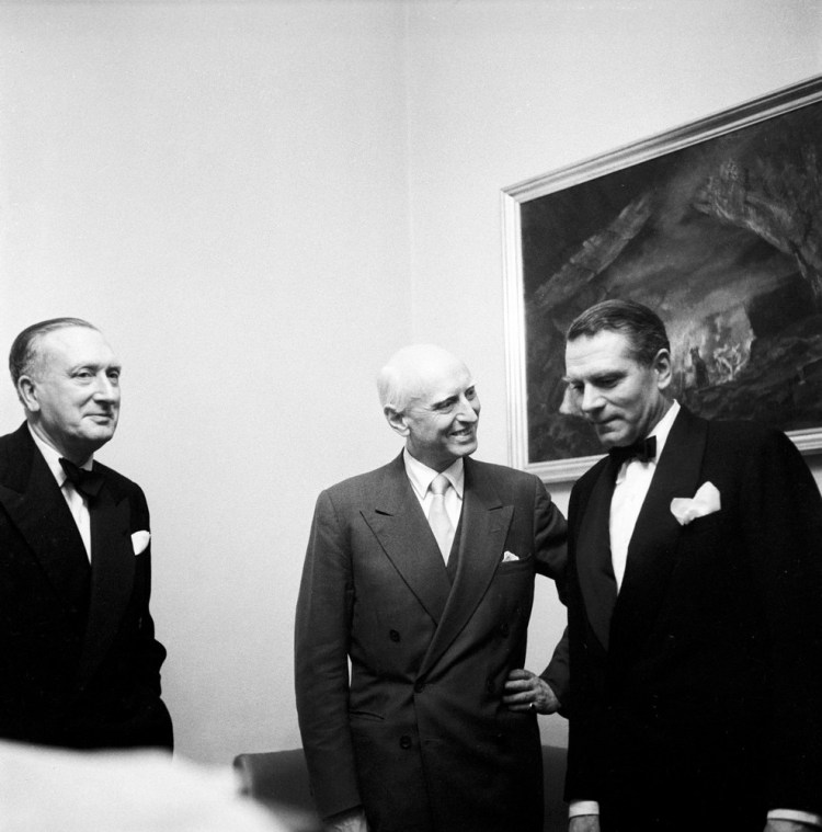 Victor de Sabata with Laurence Olivier and William Walton in 1956
