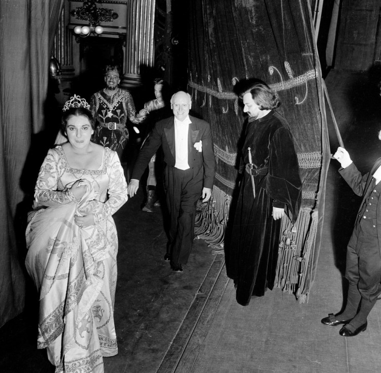 Victor de Sabata with Maria Callas after I vespri siciliani, 1951