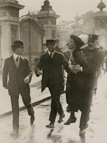 Emmeline Pankhurst's arrest at Buckingham Palace by Central Press, 21 May 1914 © National Portrait Gallery, London