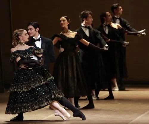 La Dame aux Camélias, with Gioacchino Starace and Antonella Albano, photo by Brescia e Amisano, Teatro alla Scala 2017